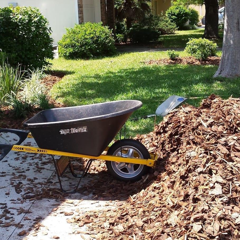 lay mulch gainesville fl